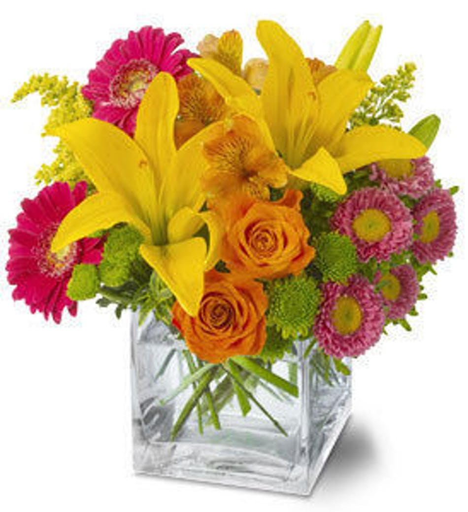 Summertime splash make a splash with flowers river dell flowers available for nationwide delivery izmirmasajfo