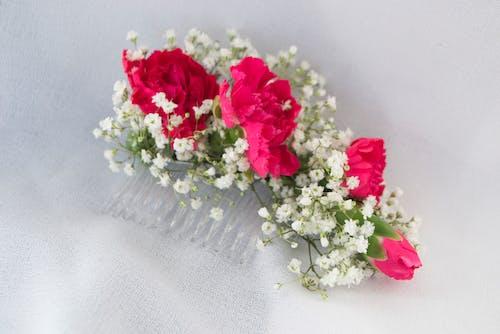 Mini Carnation Comb