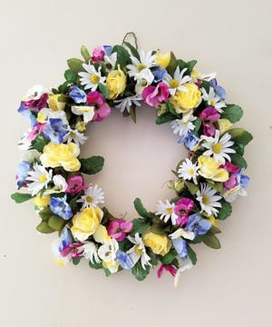 Pretty Pansies Silk Wreath