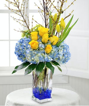 Spread the joy of springtime with this beautiful arrangement.